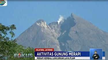 Untuk mengantisiapsi terjadinya peningkatan aktivitas di Merapi, warga setempat melakukan jaga malam.