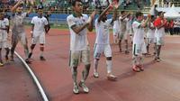 Timnas Indonesia usai pertandingan kontra Kirgiztan di ajang Aceh World Solidarity Tsunami Cup (AWSTC) 2017 di Stadion Harapan Bangsa, Banda Aceh, Senin (6/12/2017). (Bola.com/Eko Deni Sahputra)