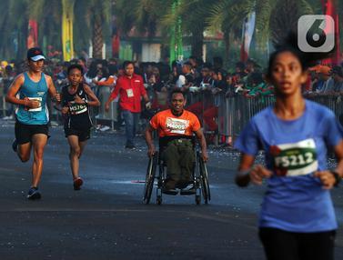 Pengguna Kursi Roda di Lo Gue Run 2020