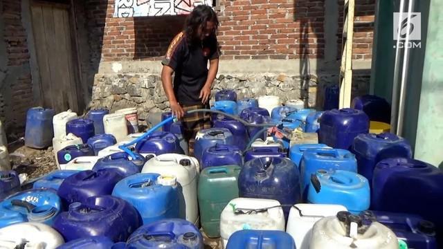 Sudah dua bulan ini, warga dusun Legaran Gunung, Kabupaten Semarang, Jawa Tengah, mengalami krisis air bersih.