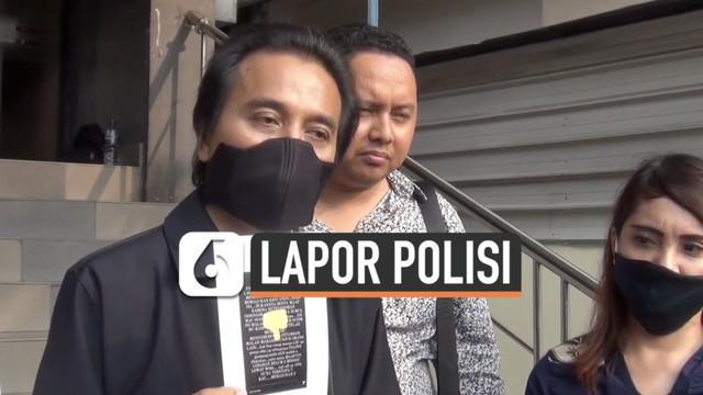 Roy Suryo melaporkan artis Lucky Alamsyah ke polisi terkait tuduhan tabrak lari. Ia menyerahkan sejumlah bukti pada polisi. Apa saja?