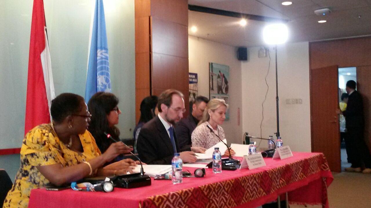 (kedua dari kanan) Komisioner Tinggi HAM PBB Zeid Ra'ad Al Hussein di UN Information Center Jakarta (7/2/2018) (Rizki Akbar Hasan/Liputan6.com)