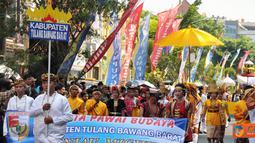 """Citizen6, Tulang Bawang Barat: """"Pesona Manjau Mighul"""" yang berasal dari Kabupaten Tulang Bawang Barata ditampilkan dalam Festival Krakatau 2011 di Bandar Lampung. (Pengirim: Jerry Hasan)"""
