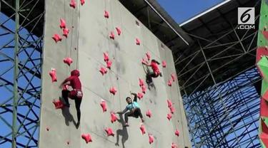 Seiring makin dekatnya pelaksanaan Asian Games 2018, berbagai persiapan terus dilakukan para atlet, termasuk para atlet penjat tebing, yang melakukan pemusatan latihan di Yogyakarta.