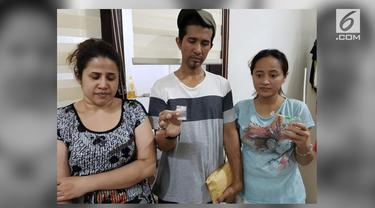 Penyidik Direktorat Narkoba Polda Metro Jaya menangkap Dhawiya. Diduga putri bungsu utri pedangdut Elvy Sukaesih mengkonsumsi narkoba.