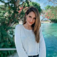 Cinta Laura mengungkapkan rindu Jakarta dan bertemu dengan timnya. Saat ini ia dan orangtuanya berada di Bali (Dok.Instagram/@claurakiehlhttps://www.instagram.com/p/B_d1zexjwBU/Komarudin)