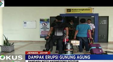 Untuk menghindari debu tipis vulkanik Gunung Agung, Bandara Noto Hadinegoro Jember, sempat ditutup.