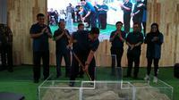 Gubernur DKI Anies Baswedan melakukan groundbreaking hunian Dp 0 rupiah di Cilangkap Jakarta Timur. (Merdeka.com)