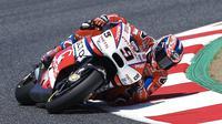 Pebalap Octo Pramac Racing, Danilo Petrucci, berhasil menjadi yang tercepat pada sesi latihan bebas pertama MotoGP Belanda. (EPA/Alejandro Garcia)