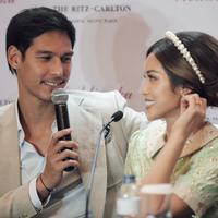 Prescon Lamaran Jessica Iskandar dan Richard Kyle. (Nurwahyunan/Fimela.com)
