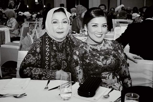Ibu adalah segala-galanya bagi Nindy/copyright instagram.com/nindyparasadyharsono