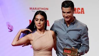 Top 3 Berita Bola: Georgina Rodriguez Larang Ronaldo Ganti Bohlam di Rumah