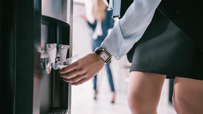 Cara Membersihkan Dispenser Air Agar Awet dan Bebas Kuman