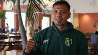 Bejo Sugiantoro resmi diperkenalkan sebagai caretaker Persebaya. (Bola.com/Aditya Wany)