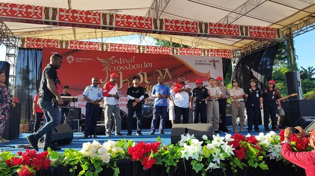 Kementerian Pariwisata (Kemenpar) kembali menggelar Festival Crossborder Skouw 2018.