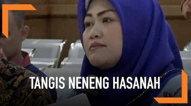 Bupati Bekasi nonaktif Neneng Hasanah Yasin, terdakwa perkara suap perizinan Meikarta, meminta diberi hukuman seringan-ringannya karena masih mengurus anak.