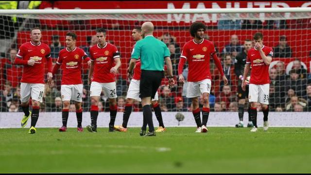 Manchester United takluk di kandang sendiri