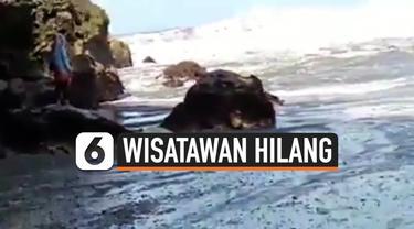 WISATAWAN HILANG TERSERET OMBAK SAAT SWAFOTO