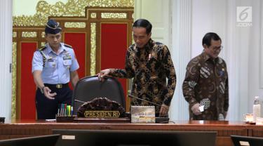Jokowi Rapat Bareng Menteri Kabinet Kerja
