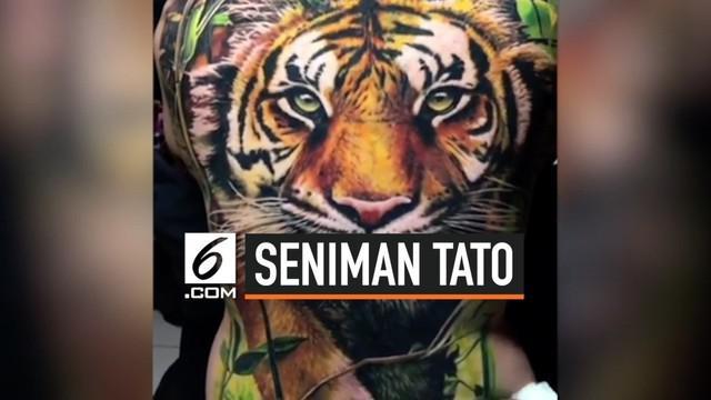 Oleg Shepelenko adalah seorang seniman yang menciptakan tato hyper realistis asal Rostov Na Donu, Rusia. Ia mampu membuat tato tampak seperti aslinya.