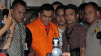 Ketua Komisi D DPRD DKI Jakarta dari partai Gerindra M usai di periksa sebagai tersangka di KPK, Sabtu, dini hari (2/4). (Liputan6.com/Helmi Afandi)
