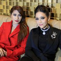 Tata Janeeta dan Maia Estianty (Deki Prayoga/Bintang.com)