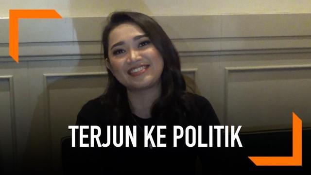 Aktris Juwita Setyarini alias Ririn memutuskan untuk terjun ke kancah politik. Ririn kembali ke tanah kelahirannya di Manado dan mendaftarkan diri sebagai calon legislatif DPRD RI Dapil Provinsi Sulawesi Utara.
