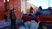 Penyaluruna bantuan untuk korban banjir bandang di Luwu Utara (Fauzan)