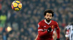 2. Mohamed Salah (Liverpool) - 24 Gol (1 Penalti). (AFP/ Lindsey Parnaby)