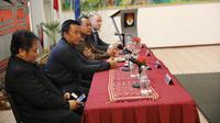 Menteri Pemuda dan Olahraga, Imam Nahrawi, hadir dalam pertemuan federasi pencak silat dunia di Den Haag, Belanda, Rabu (24/10/2018). (Istimewa)