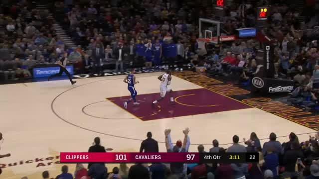 LeBron James tampil brilian saat Cleveland Cavaliers kalahkan Los Angeles Clippers 118-113 melalui babak overtime.