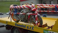 Motor Marc Marquez ringsek ketika mengalami kecelakaan di Sirkuit Mugello, Italia tahun 2013. (Zimbio)