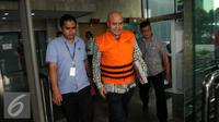 Mantan anggota DPR Komisi III dari Fraksi Demokrat I Putu Sudiartana usai diperiksa KPK, Jakarta, Selasa (6/9). (Liputan6.com/Helmi Afandi)
