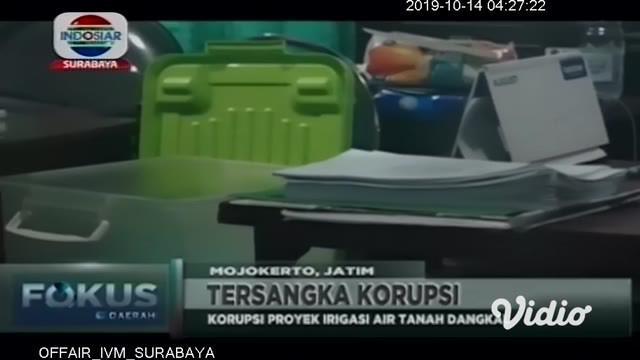 Tim penyidik Kejaksaan Negeri (Kejari) Kabupaten Mojokerto menetapkan Kepala Dinas Pertanian Sulistyowati sebagai tersangka kasus korupsi proyek irigasi air tanah dangkal 2016. Negara dirugikan hingga Rp 519 juta lebih.