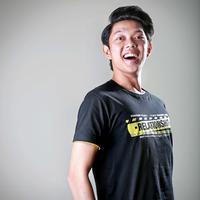 """""""Awalnya dikontrak TV Jawa Timur, aku merasa dihargain. Kita nggak seperti Shinta Jojo, kita kreator. Kita terus-terusan membuat karya. Karena itu kita ga berhenti ketika satu video buat kita dikenal masyarakat."""" ujar Bayu. (Febio Hernanto/Bintang.com)"""