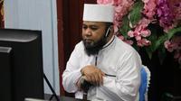 Wali Kota Bengkulu Helmi Hasan mencurahkan rasa cinta dan sayang kepada anak yatim dengan berbuka puasa bersama. (Liputan6,com/Yuliardi Hardjo)