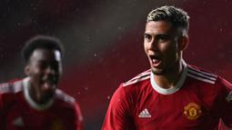Andreas Pereira mampu tampil impresif ketika laga pramusim melawan Brentford. Dirinya juga tercatat mencetak gol dengan cara yang spektakuler seperti yang pernah dilakukan oleh gelandang legenda Manchester United, Paul Scholes. (Foto: AFP/Paul Ellis)
