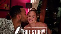 Kehidupan rumah tangga John Legend dan Chrissy Teigen menjadikannya layak disebut couple goals di dunia maya maupun dunia nyata. (Foto: instagram.com/chrissyteigen)