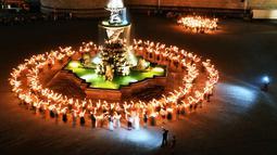 Penampilan penari dalam Festival Salzburg di Kota Salzburg, Austria (22/7). Dalam sejarahnya, festival ini lahir sebagai proyek perdamaian di tengah-tengah Perang Dunia I. (Barbara Gindl/APA/AFP)