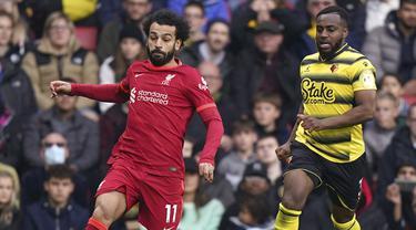 Mohamed Salah dinobatkan sebagai man of the match di laga Liverpool melawan Watford. Ia tercatat menjadi kreator gol pertama yang dilesatkan oleh Sadio Mane dan berhasil mencetak gol di menit ke-54. Salah mendapatkan 63,7% suara lewat voting si situs resmi Liga Inggris. (PA via AP/Tess Derry)