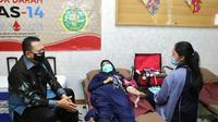 Bamsoet usai melakukan donor darah di SMA Negeri 14 Jakarta.