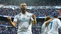 Karim Benzema bergabung dengan Real Madrid sejak 2009 silam setelah didatangkan dari Lyon. Sempat kesulitan beradaptasi, dirinya berhasil menunjukkan kemampuannya dengan sukses mengoleksi  279 gol dan 143 assist dari 558 penampilan di semua kompetisi bersama Los Blancos. (Foto: AFP/Christof Stache)