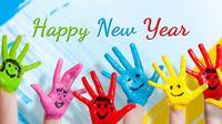 Bingung ngasih ucapan tahun baru 2018 untuk orang-orang kesayangan? Kamu bisa melihat ini kok. (Foto: quotessquare.com)
