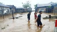 Banjir melanda warga Halmahera, Provinsi Maluku Utara. (Liputan6.com/Hairil Hiar)