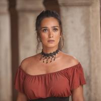 6 Potret Beda Penampilan Alexandra Gottardo Dari Dulu Hingga Sekarang (sumber: HBO)