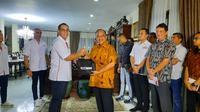 Pengurus KOBI Amatir Bertemu Ketua KONI Pusat Marciano Norman (Dok KOBI)