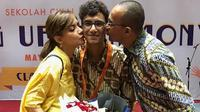 Najwa Shihab bersama suami dan sang putra. (dok. Instagram @najwashihab/https://www.instagram.com/p/Bx9ieOLjSrc/Putu Elmira)
