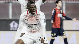 Pierre Kalulu - Jebolan terbaik akademi tim muda Lyon itu didapatkan AC Milan secara gratis pada 2020. Pemain yang berposisi sebagai bek ini mempunyai kecepatan, ketenangan dan akurasi umpan yang matang. (AFP/Filippo Monteforte)