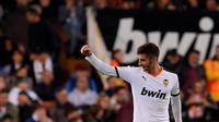 Manchester City siap menyaingi Manchester United dalam perburuan jasa gelandang Valencia, Ferran Torres. (AFP/Jose Jordan)