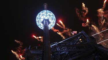 Waterford Crystal New Year Eve Ball New York 2015 2